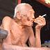 É descoberto o homem mais velho do mundo e ele revela a todos o seu maior segredo!