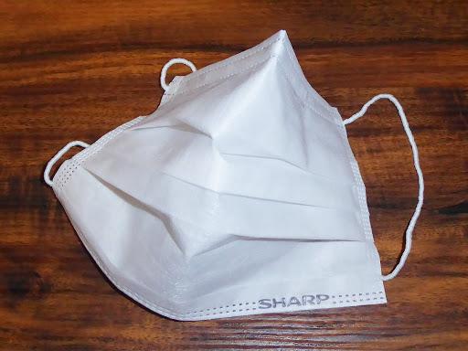 シャープのマスク・SHARPのロゴ