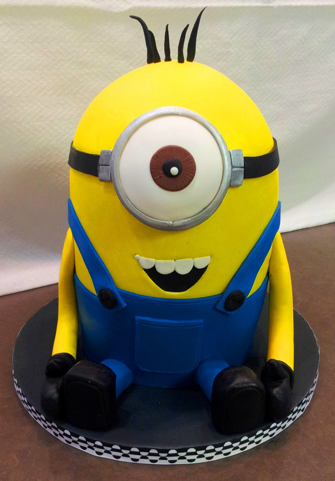J Adore Cakes Co Minion Cake Class