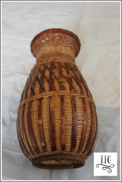 Something as simple as this plain wicker vase can be easily transformed into some pretty with a little craft paint.