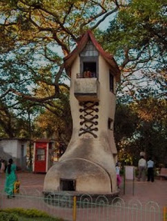 Old Woman's Shoe at Malabar Hill