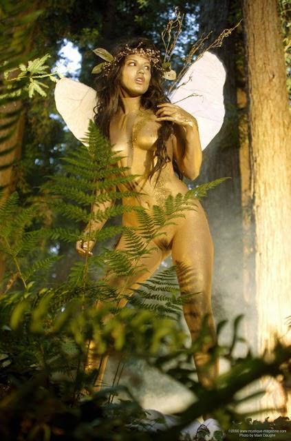 woman-fairy-nude