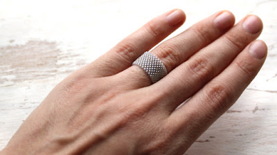 купить кольцо 15 размера купить кольцо ручной работы на руке