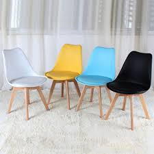 Lựa chọn ghế Eames nào đẹp, bền và giá rẻ?