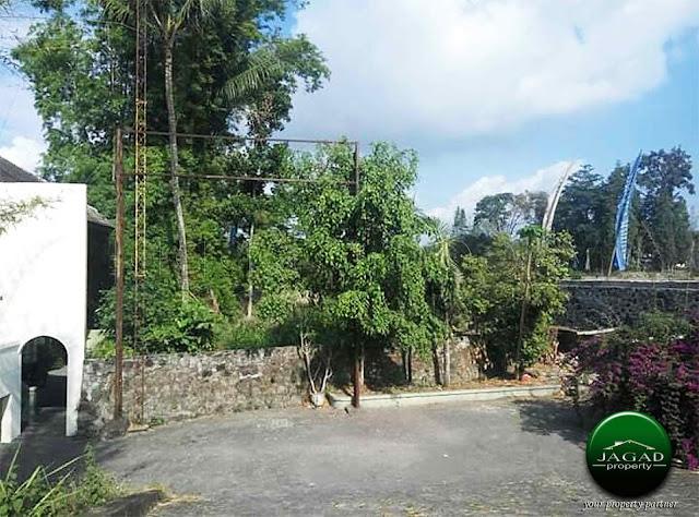 Tanah jalan Kaliurang Km 13 dekat Kampus UII