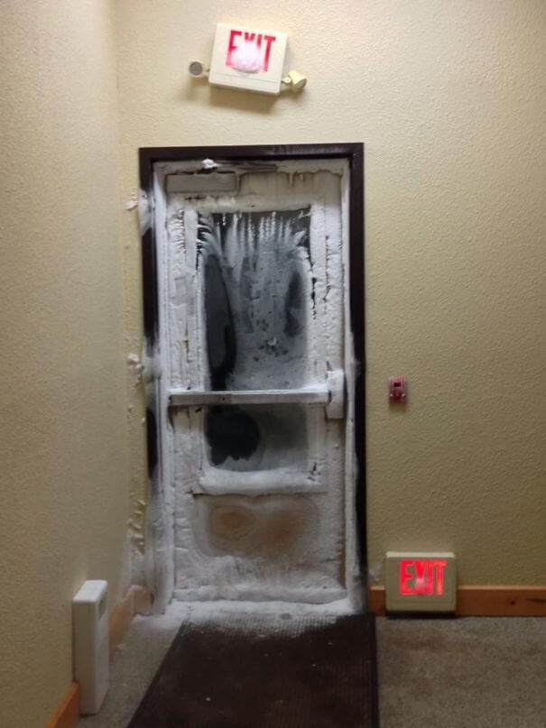 30 Hilarious Hotel Failures That Will Make Your Day - So My Friend Is Staying At A Hotel In Minnesota Right Now. Needless To Say, It's Pretty Cold