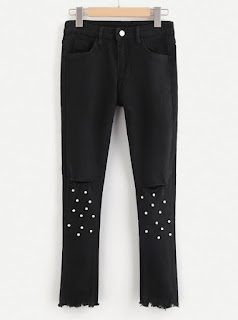 http://fr.shein.com/Ripped-Hem-Knee-Rips-Faux-Pearl-Decoration-Jeans-p-381917-cat-1740.html?utm_source=melimelook.fr&utm_medium=blogger&url_from=melimelook