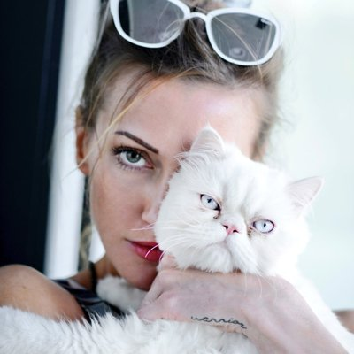 Katie Cassidy age, feet, boyfriend, husband, parents, mother, dating, arrow, movies and tv shows, taken, hot, supernatural, gossip girl, david cassidy, bikini, black canary, click, the flash, gallery, photoshoot, ruby, photos, kiss, snapchat, instagram