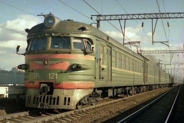 vilciens ER1