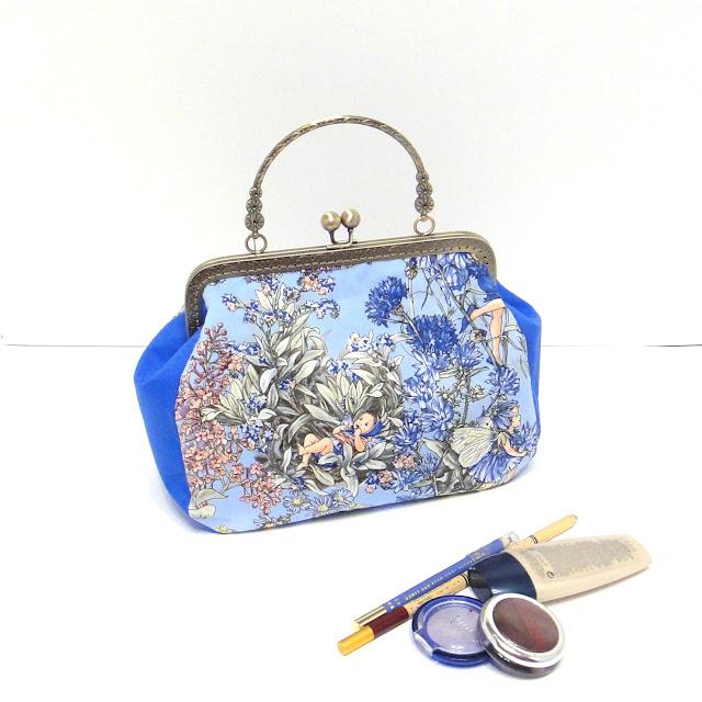 Синяя цветочная сумка клатч Незабудка Сесилии Мари Баркер - подарок девушке или подарок дочери