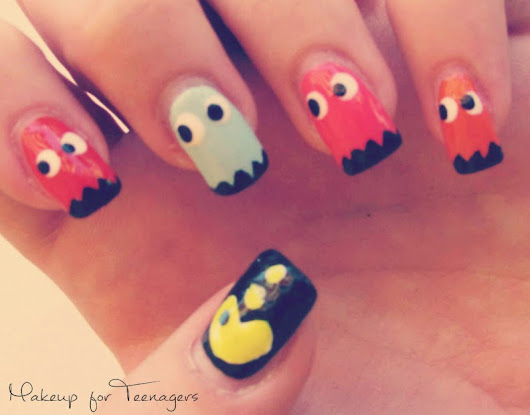 Nail art step by step: Pacman Nails