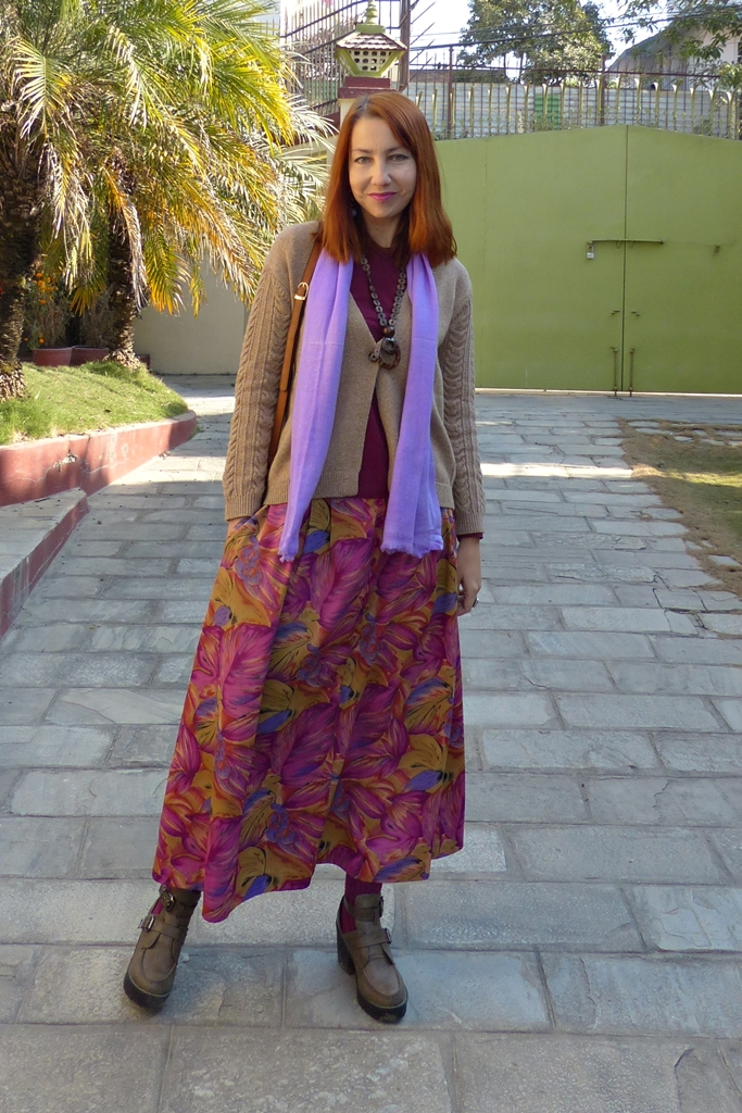 Casual style: floral maxi skirt with cardigan
