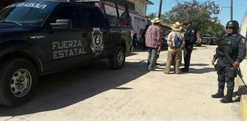 Abandonan decapitado fuera de Iglesia en Guerrero