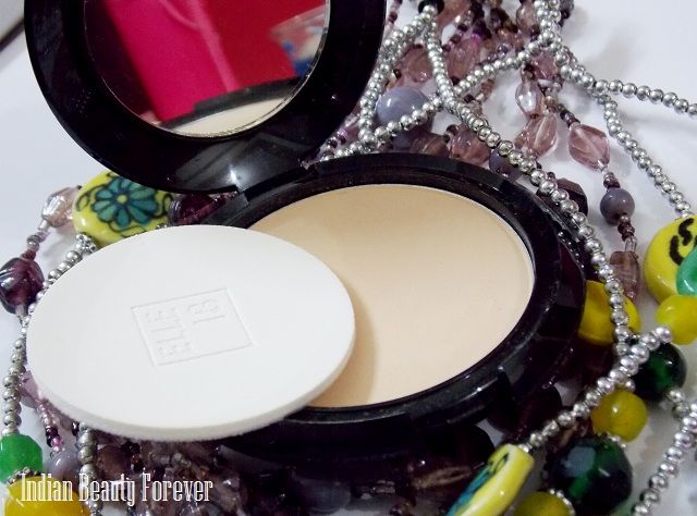 Elle 18 Glow Compact Review of the shade Marble