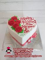 Kue Tart Bentuk Love Hati Cantik