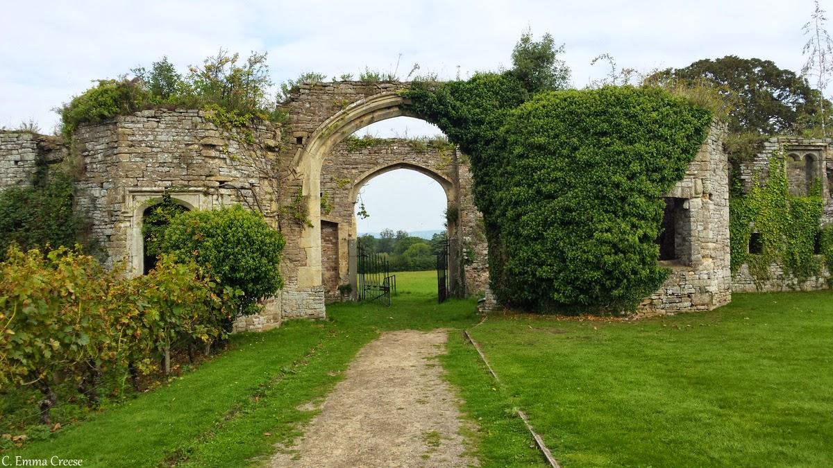 Roadtrip: Castle hunting: Thornbury Castle, Gloucestershire - Adventures of a London Kiwi
