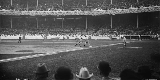 El béisbol es deporte de outs e innings, que se burla del tiempo y el cansancio