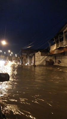 Photo: Ikeja Flooded After Early Morning Rain In Lagos State