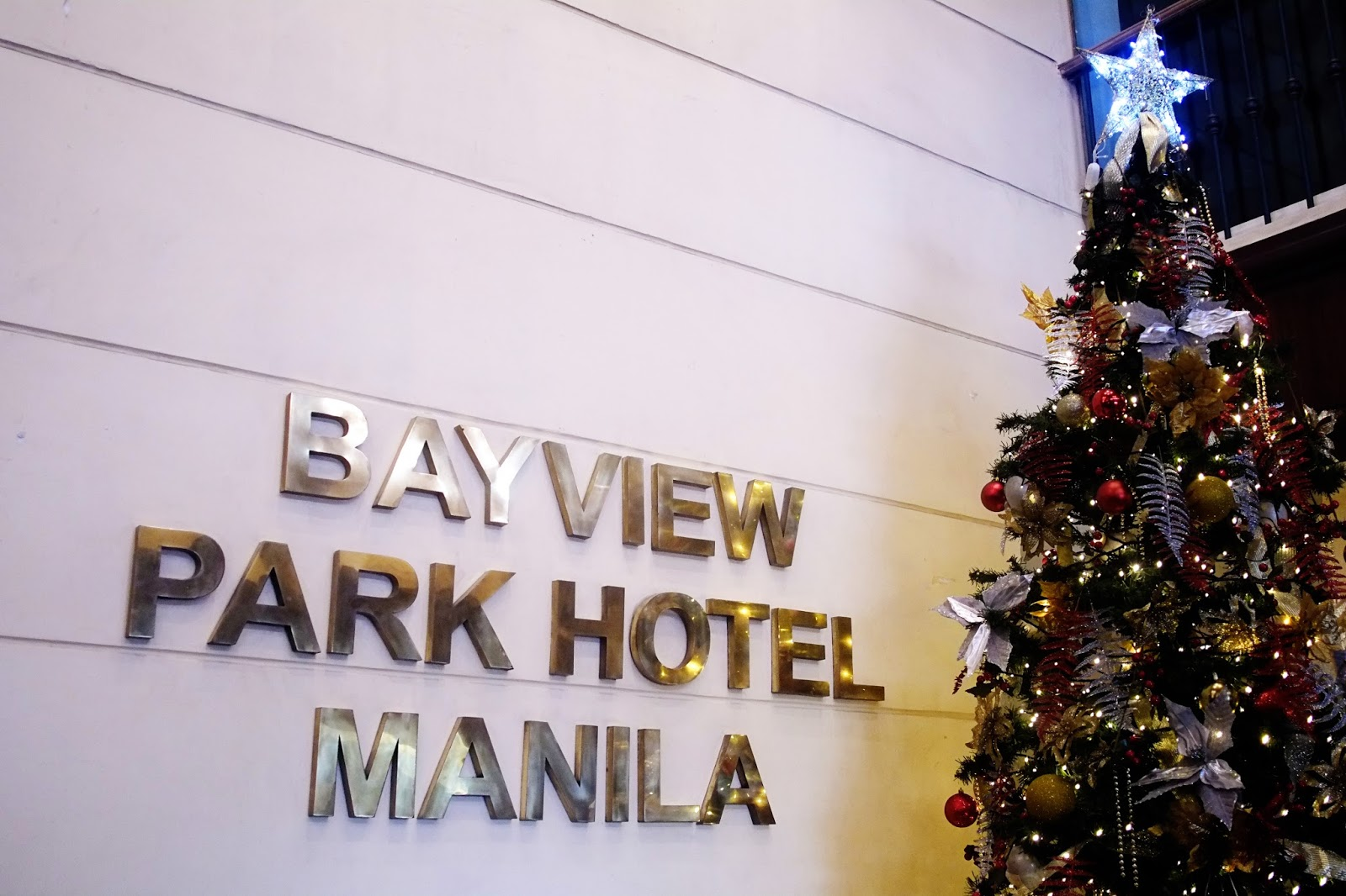christmas tree lighting at bayview park hotel manila. Black Bedroom Furniture Sets. Home Design Ideas