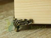 http://zielonekoty.pl/pl/p/Nozka-nozki-metalowa-do-pudelek%2C-szkatulek-srednia-1szt./697