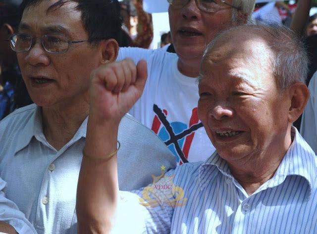 Nhà văn Nguyên Ngọc tuyên bố ra khỏi Đảng