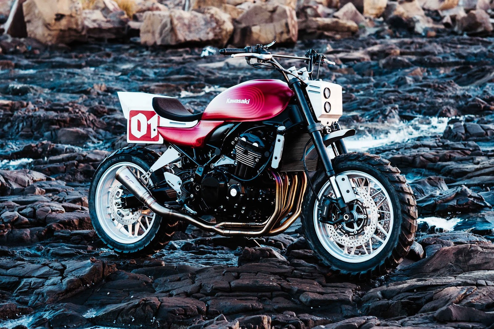 Racing Caf U00e8  Kawasaki Z900 Rs  U0026quot Stone Tracker U0026quot  By Deus