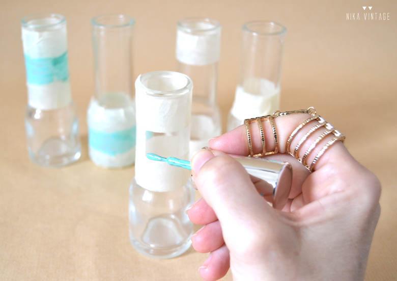 Con este diy veremos lo fácil que es diseñar nuestros propios jarrones con esmalte de uñas