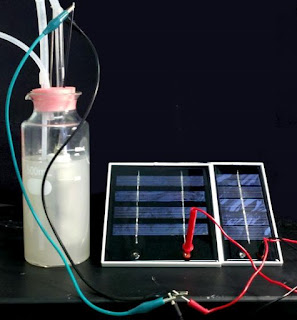 Producing fuel from CO2 and sunlight.