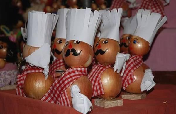 سوق البصل في بيرن (Zibelemäritباللغة الألمانية)  Image002-719178