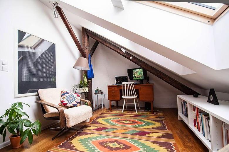 mieszkanie artysty, design prl, wysoki połysk design