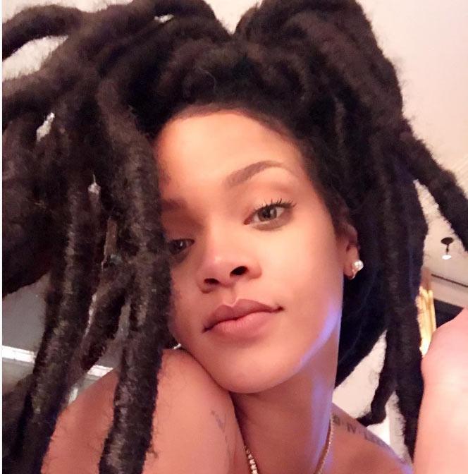 """Rihanna rocks huge """"dada"""" in adorable no-makeup selfie"""