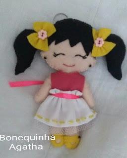 bonequinha de feltro