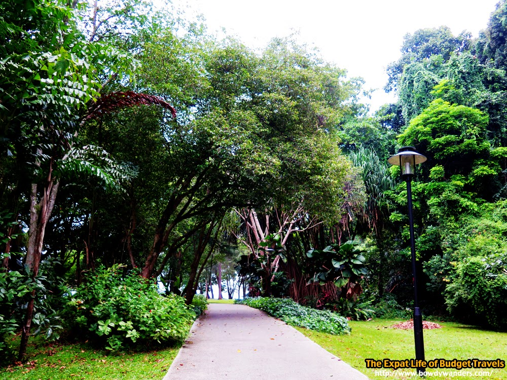bowdywanders.com Singapore Travel Blog Philippines Photo :: Singapore :: I'm Beating Myself Up with A Bloody Off-Beaten Path