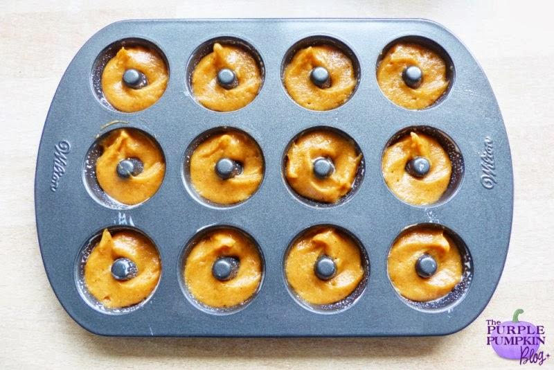 Baked Pumpkin Doughnuts #Halloween #CraftyOctober