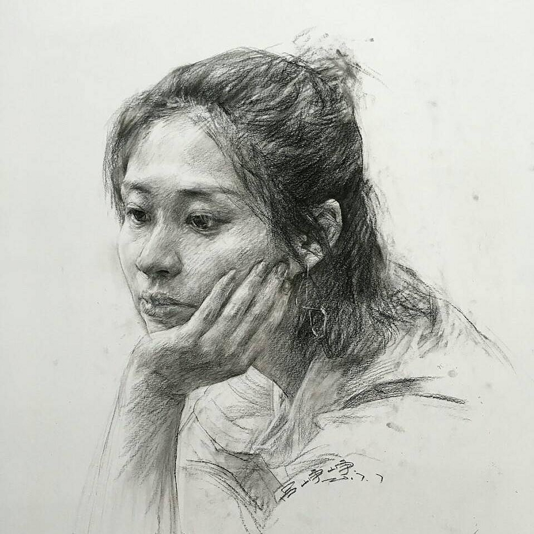 14-Lee-Charcoal-Portraits-full-of-Expressions-and-Emotions-www-designstack-co