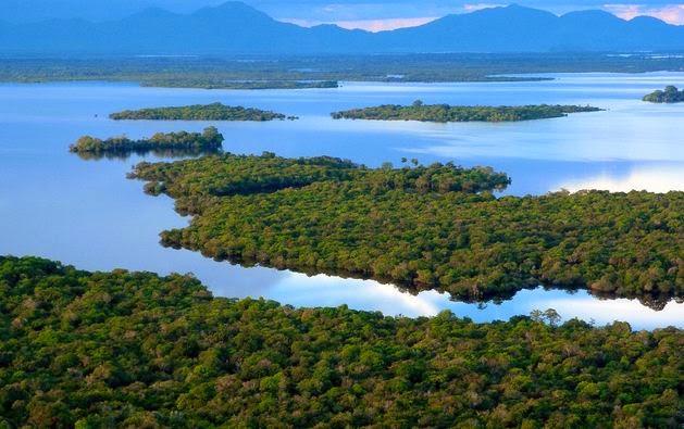 Danau-Danau Paling Unik Yang Ada Di Indonesia