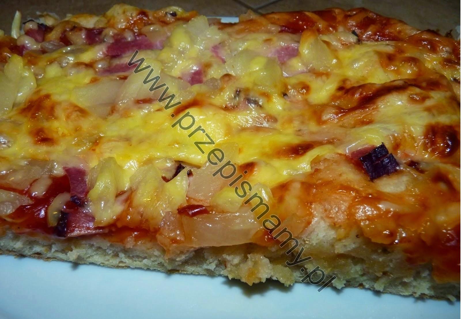 Pizza z szynką i ananasem