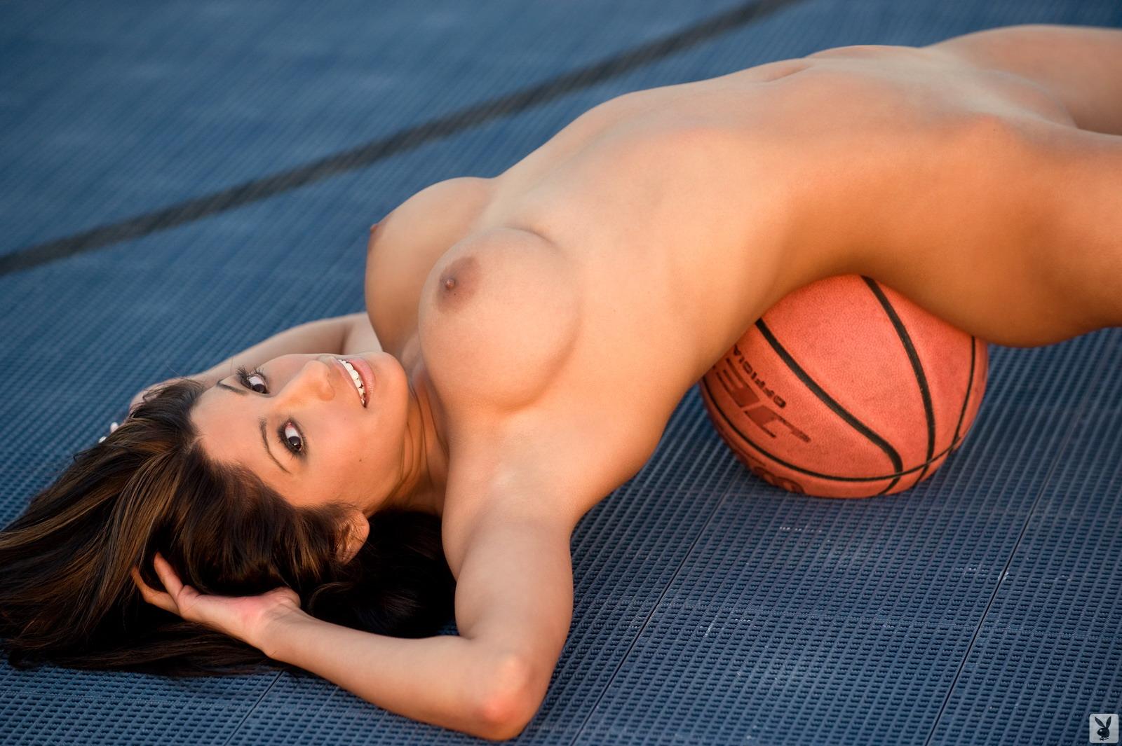 Самая классная попка спортсменки эротика