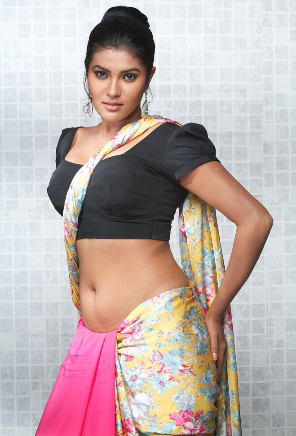 indian actress saree navel images