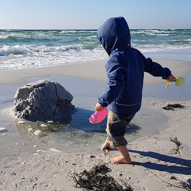 Bornholm mit Kindern im Herbst. Teil 3: 10 tolle Ausflugsziele für Familien auf Dänemarks Sonneninsel. Ein Ausflug zum Strand von Dueodde tut der ganzen Familie gut!