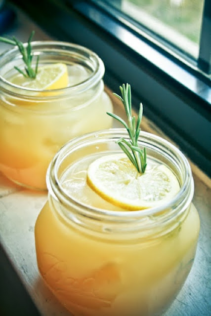 Rosemary Peach Lemonade Recipe