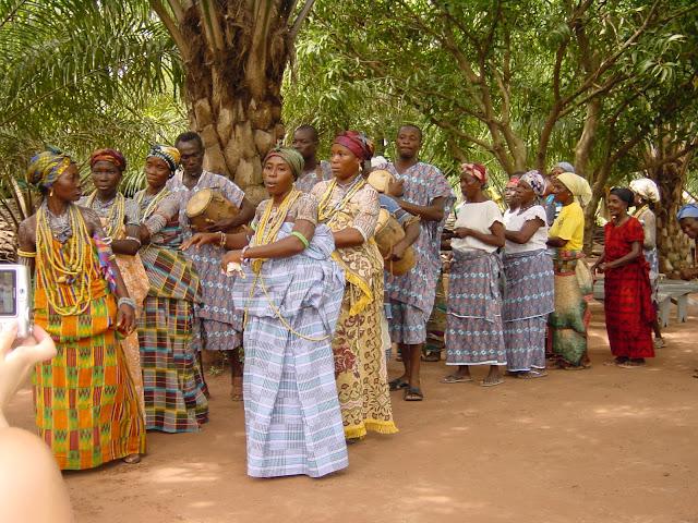 KROBO PEOPLE: GHANA`S FAMOUS BEADS PRODUCING TRIBE ...