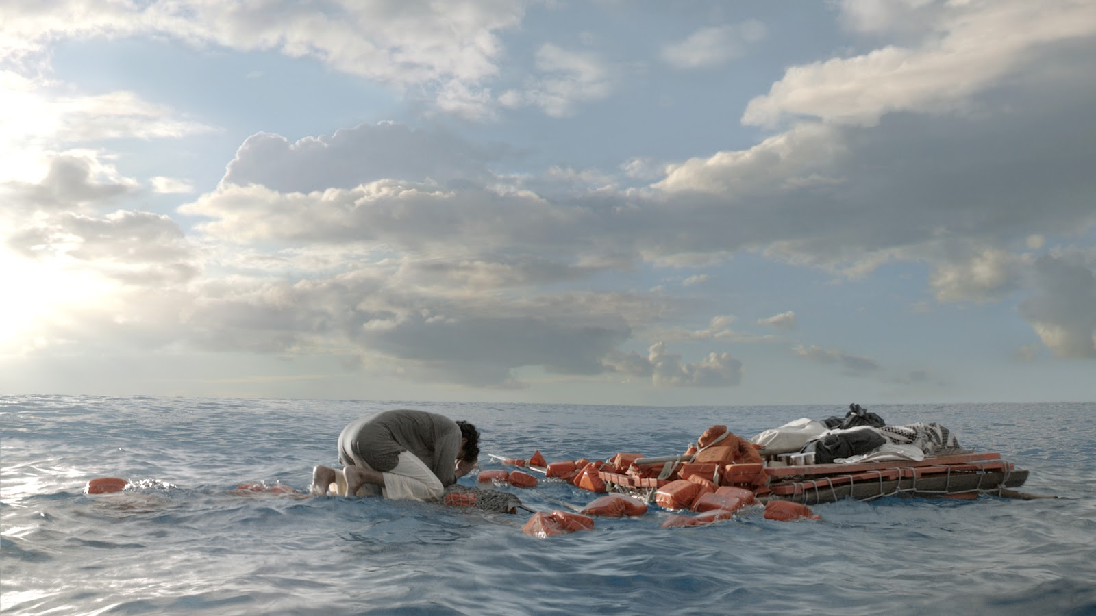 life of pi ocean exclusive life of pi behind the scenes photos  exclusive life of pi behind the scenes photos images the image