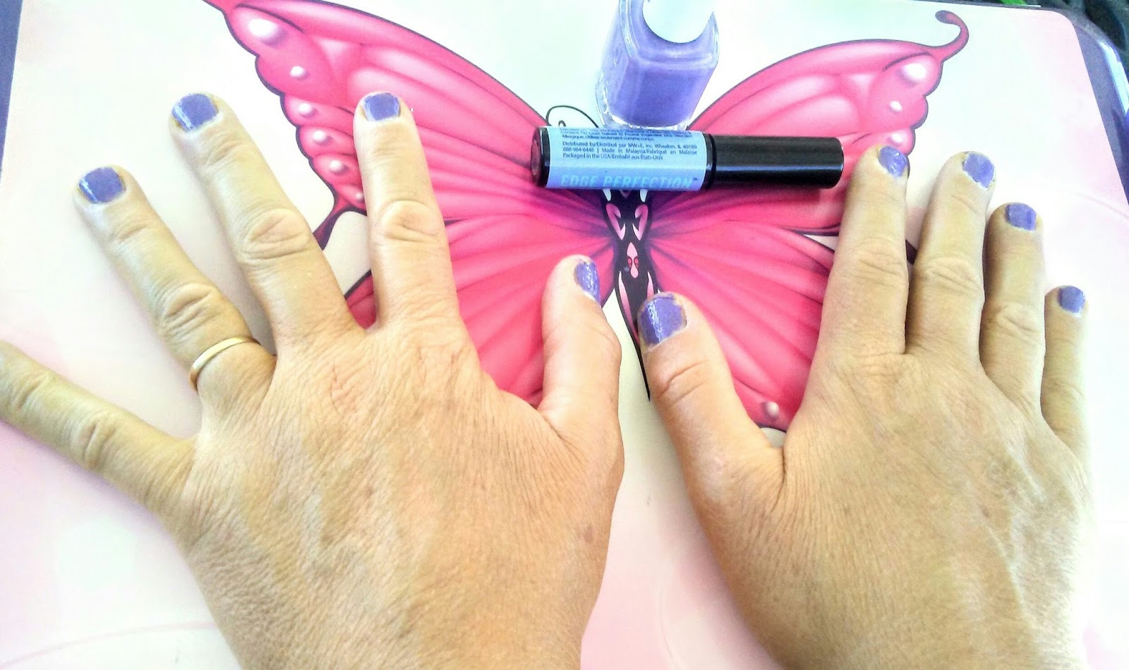 Mom Knows Best : How To Give Yourself A Mess-free Manicure