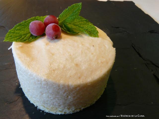 Pastís de Préssec, mousse de préssec, postres facils, mousse de melocoton, l'essencia de la cuina, blog de cuina de la sònia.