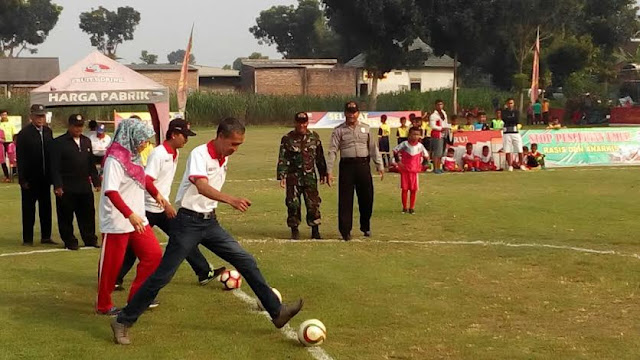 "Turnamen Sepak Bola Usia Dini ""Tiga Pilar Cup 2016"" Di Kediri"