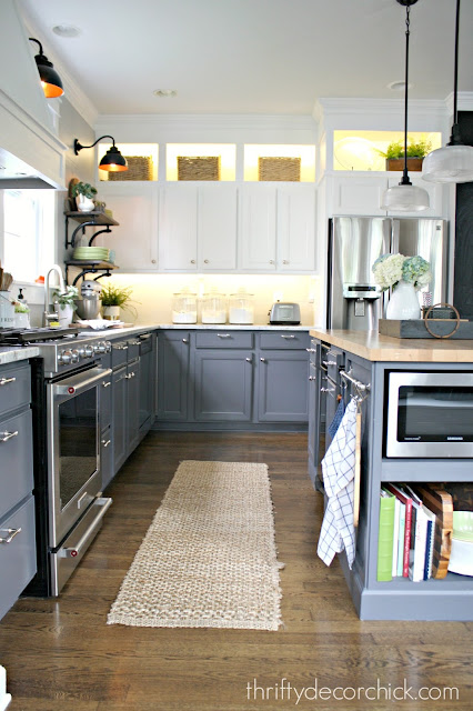 How to paint kitchen cabinets with a perfect finish