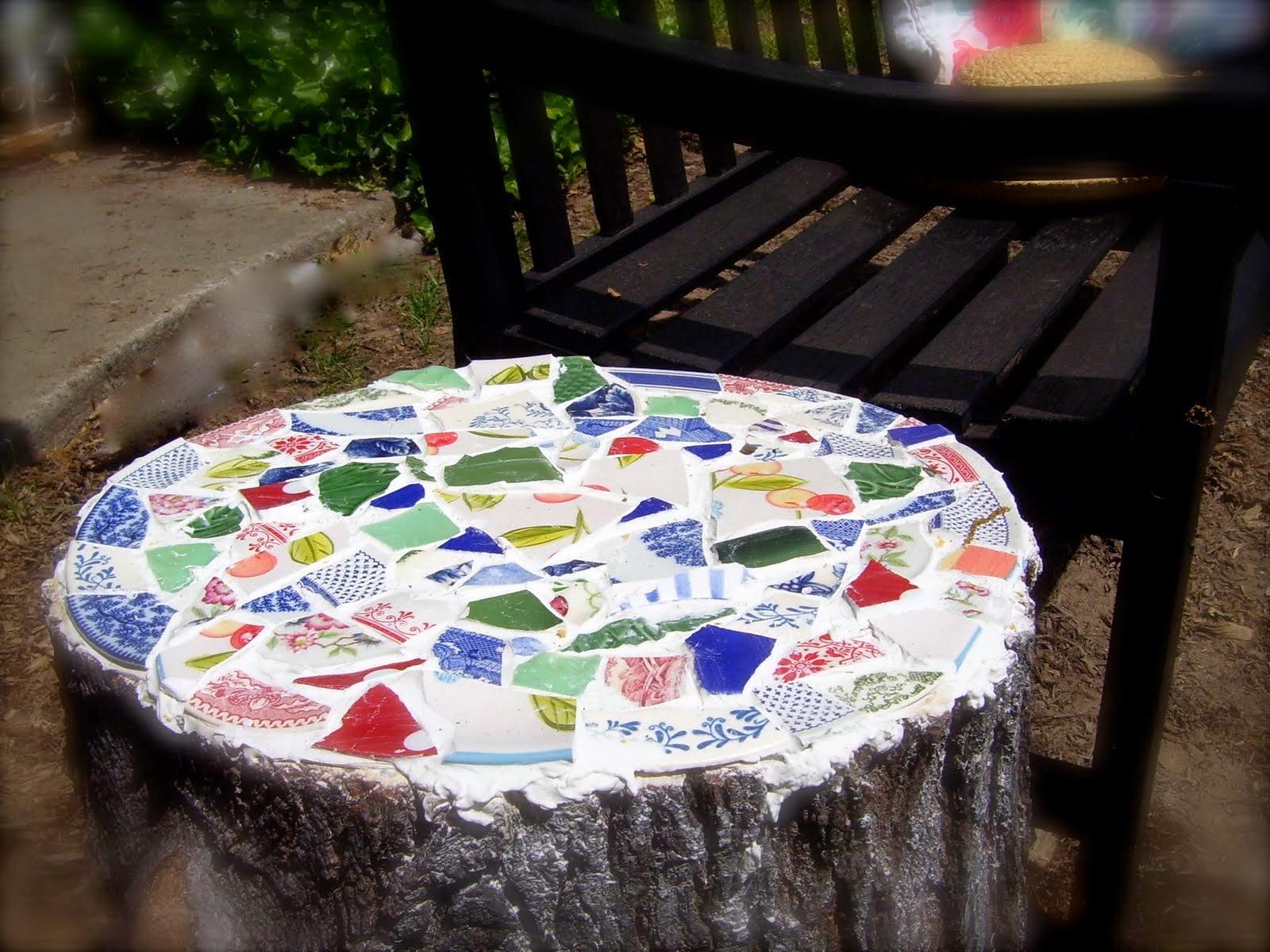 Astute Homestead Tree Stump Mosaic