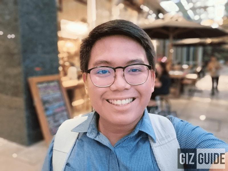 Outdoor selfie w/ portrait bokeh
