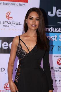Red Carpet of Most Stylish Awards 2017 ~ Esha Gupta (5).JPG